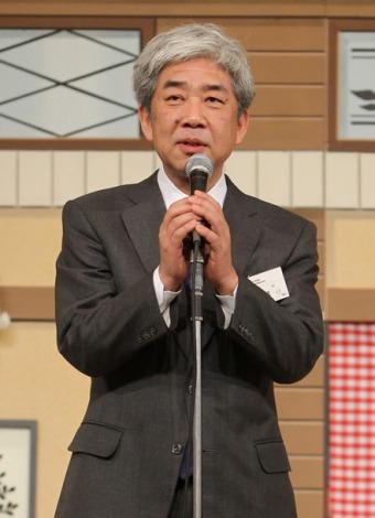 吉本興業の年頭会見で島田紳助さん復帰について述べる大崎洋社�