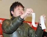 2012年の年間計画発表会に乱入した、エハラマサヒロ (C)ORICON DD inc.