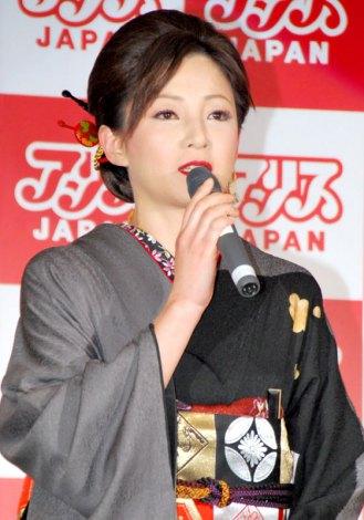 『アリスJAPAN 2012 プレスカンファレンス』に出席した小森愛 (C)ORICON DD inc.