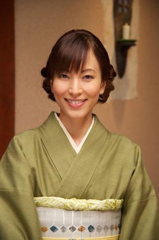 小料理屋「花の里」の2代目女将として『相棒season10』にレギュラー出演することになった鈴木杏樹 (C)テレビ朝日