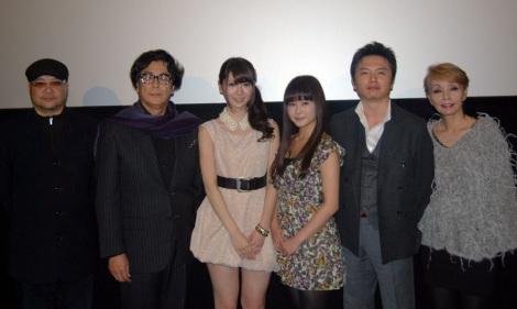 映画『忍道-SHINOBIDO-』の完成披露試写会に登壇した(左から)森岡利行監督、長谷川初範、菊地あやか、佐津川愛美、ユキリョウイチ、研ナオコ