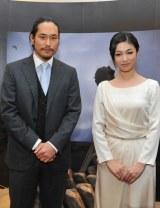 『KOBE de 清盛2012・ドラマ館』オープニングイベントに出席した松山ケンイチ(左)と深田恭子