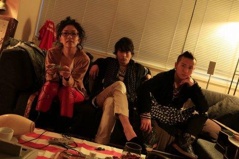 2009年9月にドリカムとのコラボシングル「その先へ」を発表した「FUZZY CONTROL」(6月14日出演)