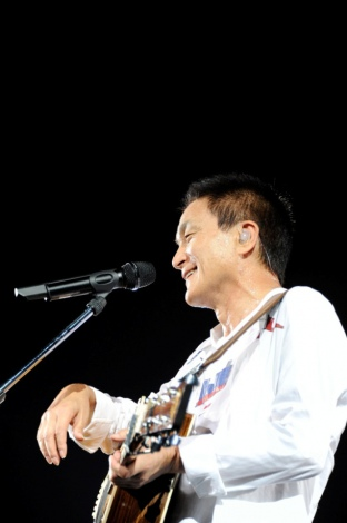 小田和正、全国ツアー東北公演開催が決定(写真は昨年京セラドームで行われたツアーの模様)