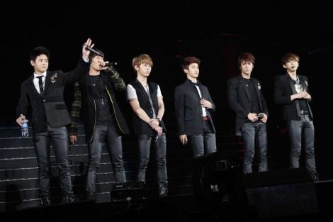 日本デビューシングル「SHOCK」を含む全5曲を披露したBEAST