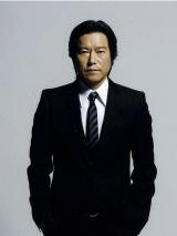 約5年ぶりに刑事役を演じる豊川悦司「(二宮)からたくさんの事を学びたいと思います」