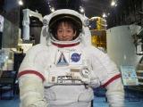 宇宙飛行士の模擬訓練を体験した山本耕史(C)読売テレビ