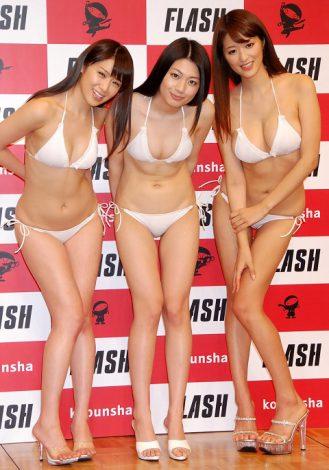 サムネイル 『ミスFLASH2012』に選ばれた(左から)遠野千夏、小松美咲、葉加瀬マイ (C)ORICON DD inc.
