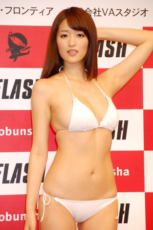 『ミスFLASH2012』に選ばれた葉加瀬マイ (C)ORICON DD inc.