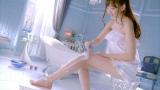 【CMカット】バスルームでシェービングをする小嶋陽菜(AKB48)
