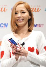 『au発表会2012 SPRING in OSAKA』に出席した小森純
