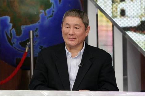 ビートたけしが司会を務める特別番組『たけしの超新説研究所 最新科学が歴史を暴く』にKAT-TUNが出演(C)NTV