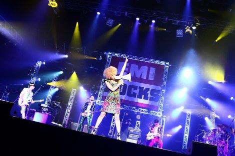 『EMI ROCKS 2012』に出演した東京事変
