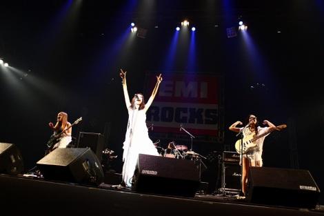『EMI ROCKS 2012』に出演した赤い公園