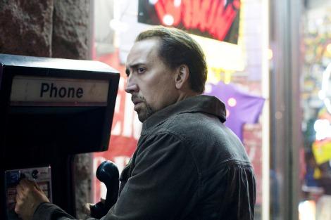 闇の秘密組織に立ち向かう高校教師を演じるニコラス・ケイジ 映画『ハングリー・ラビット』より (C)2011 HRJ DISTRIBUTION, LLC
