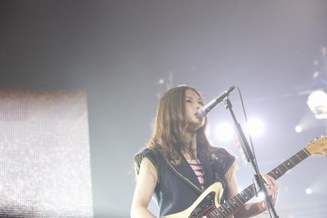 日本武道館でライブを行ったYUI