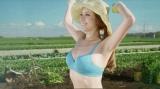 「働く女子」の代表として農婦役を演じる道端アンジェリカ