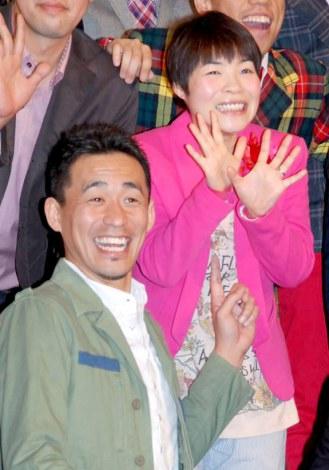 サムネイル 6月に出産を控える山田花子(右)と、5月に夫人の出産を控える石田靖 (C)ORICON DD inc.