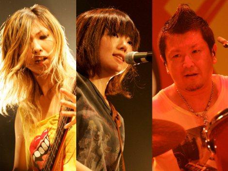 先月10日、電撃解散したGO!GO!7188(写真左から:アッコ、ユウ、ターキー)