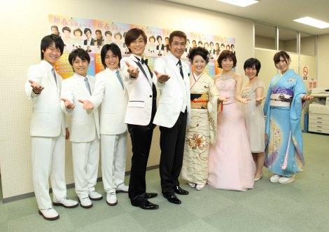写真左から:はやぶさ、氷川きよし、山川豊、田川寿美、水森かおり、森川つくし、岩佐美咲