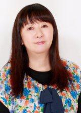 谷山浩子がデビュー40周年記念の2枚組ベスト盤『花とゆめ』を4月25日に発売
