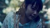必死の形相を見せる宮崎あおい(『earth music&ecology』新CM「運ぶ」篇より)