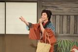 「会いたかった〜♪」とAKB48をネタに笑いあり、涙あり、歌ありの時代劇に挑戦した秋元才加(C)NHK