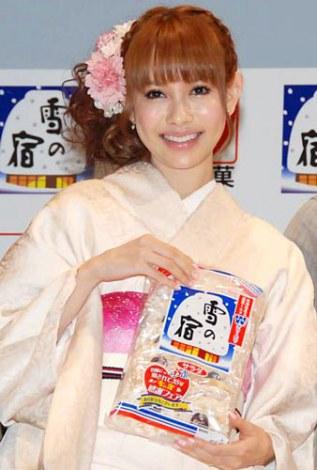 三幸製菓の『雪の宿』35周年記念PRイベントに出席した上原さくら (C)ORICON DD inc.
