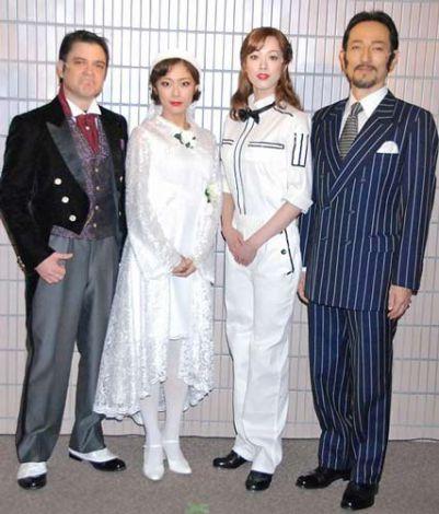 ミュージカル『MY ONE AND ONLY』の公開けいこを行った(左から)川平慈英、大和田美帆、大和悠河、鈴木綜馬 (C)ORICON DD inc.