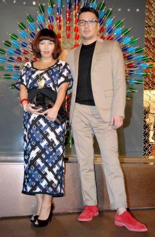 東京のルイ・ヴィトン六本木ヒルズ店で行われたリニューアル記念レセプションパーティに出席した妊娠7ヶ月のMINMIと湘南乃風・若旦那夫妻 (C)ORICON DD inc.