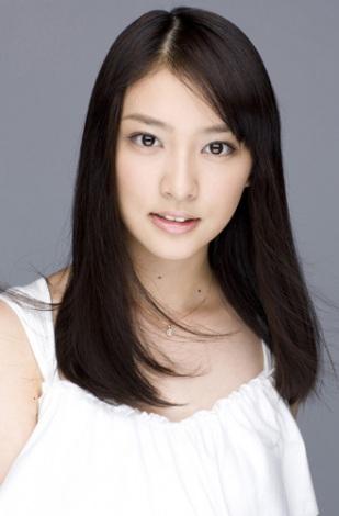『理想の新社会人のイメージに合う女性有名人』ランキング、1位に選ばれた武井咲