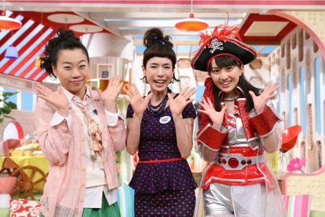 『メレンゲの気持ち』で新司会を務めるももいろクローバーZの百田夏菜子(右)と、引き続き司会を務める久本雅美(中央)、いとうあさこ(左)