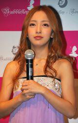 自身のAKB48卒業について言及した板野友美 (C)ORICON DD inc.