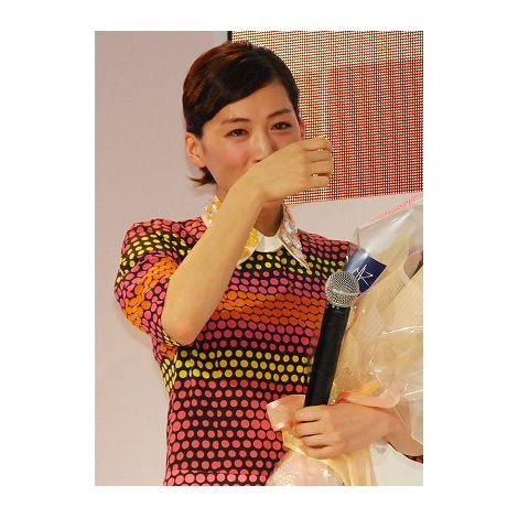 ゆずのバースデーソングに感涙を流す綾瀬はるか (C)ORICON DD inc.