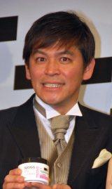 『syoss』新製品発表会に出席した岡田圭右 (C)ORICON DD inc.