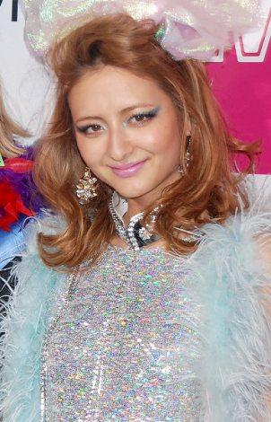女性誌『ViVi』の人気イベント『ViVi Night2012』開催前に報道陣のインタビューに応じたエリーローズ (C)ORICON DD inc.