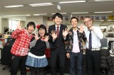 『生田くん、ハイ!』4月7日の初回放送のゲストはチキチキジョニー。中央が生田竜聖アナウンサー、右がレギュラー出演するHi-Hi(C)フジテレビ