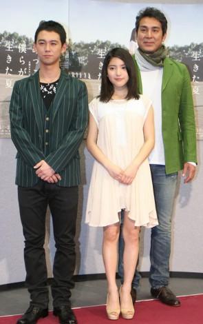 ドラマ『あっこと僕らが生きた夏』の完成試写会に出席した(左から)柳下大、川島海荷、宇梶剛士
