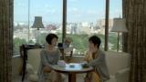富司純子・寺島しのぶ母娘が共演する、三菱UFJニコス『プラチナカード』の新CM「母と娘の女子会」篇より