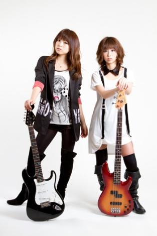 新生ZONEが7年ぶりのシングルを6月6日に発売(左からMIYU、MAIKO)