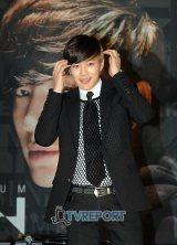 中国で開かれた『2012 China Music Award and Asian Influential Awards』で『海外最高パフォーマンス賞』を受賞したSE7EN