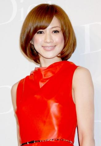 高垣麗子のショートカット画像