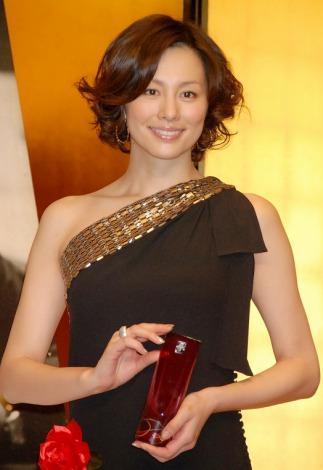 『第37回菊田一夫演劇賞』を受賞した米倉涼子 (C)ORICON DD inc.