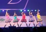 横浜アリーナでコンサートを行ったももいろクローバーZ(左から)佐々木彩夏、有安杏果、百田夏菜子、高城れに、玉井詩織