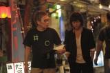 2年連続!カンヌ国際映画祭への出品となる三池崇史監督(左)/映画『愛と誠』より