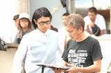 映画『愛と誠』でメガホンを執った三池崇史監督と斉藤工(左)