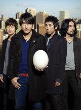 史上初のシングル・DVD・BD同時1位の快挙を達成したMr.Children