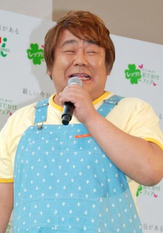 セブン&アイグループ『レッツ!おでかけフェア』発表会に出席した石塚英彦 (C)ORICON DD inc.
