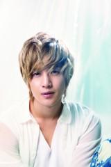大ファンのB'zから新曲を提供されたキム・ヒョンジュン