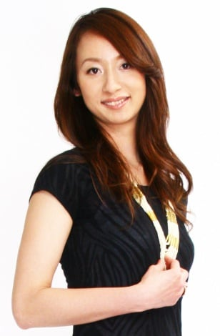 サムネイル 一般男性との結婚を発表した元バレー女子日本代表の落合真理